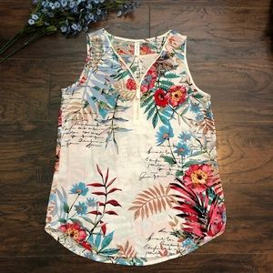 Tops - Tacera Sleeveless floral top small